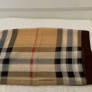 Burberry Authentic Scarf